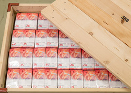 Image of a box full of 20-franc banknote. Image courtesy of the SNB.